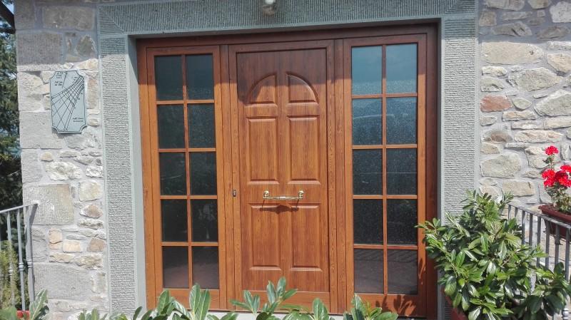 Bacci infissi corsagna lucca finestre alluminio e pvc for Disegno finestra con persiane